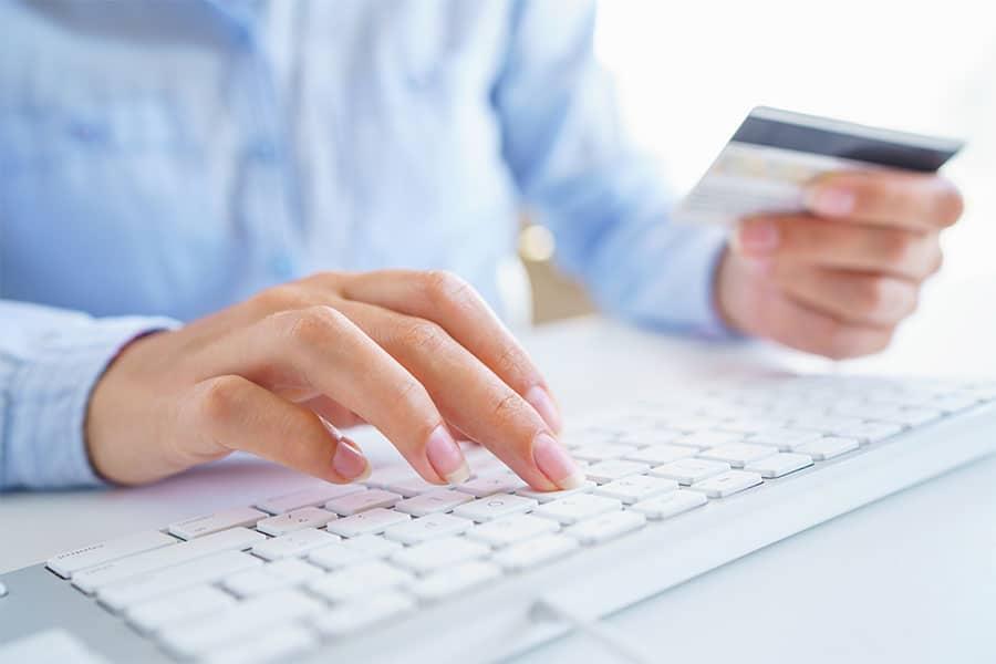 On-line piacterek kizárása a forgalmazásból: Fordul a kocka?